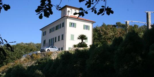 Mansion for sale 360 m²