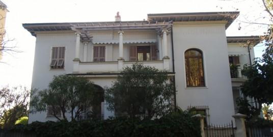 Villa for sale 1000 m²