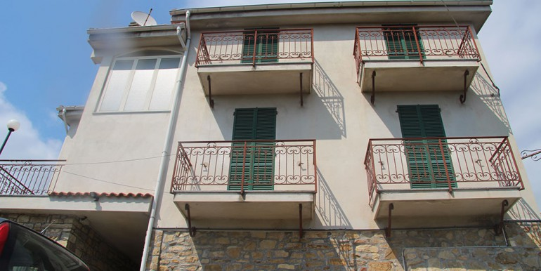 apartment-for-sale-150-88-18