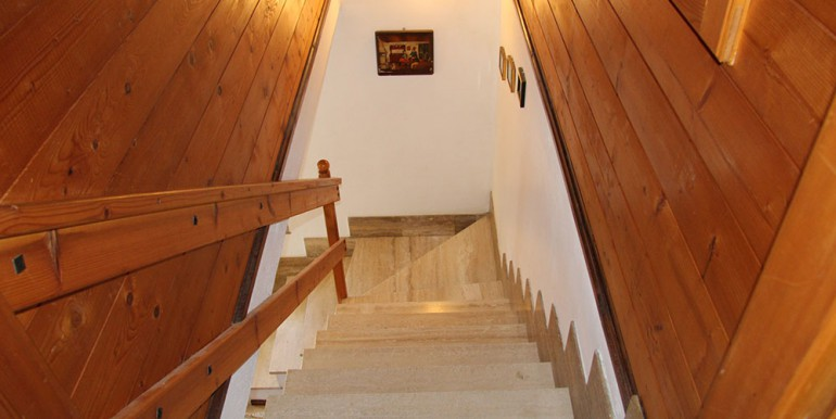 country-house-for-sale-100-92-05
