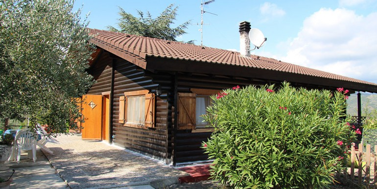 country-house-for-sale-200-92-19