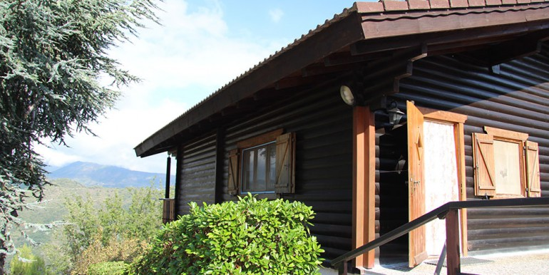 country-house-for-sale-200-92-28