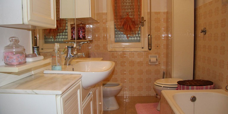 apartment-for-sale-70-06-10