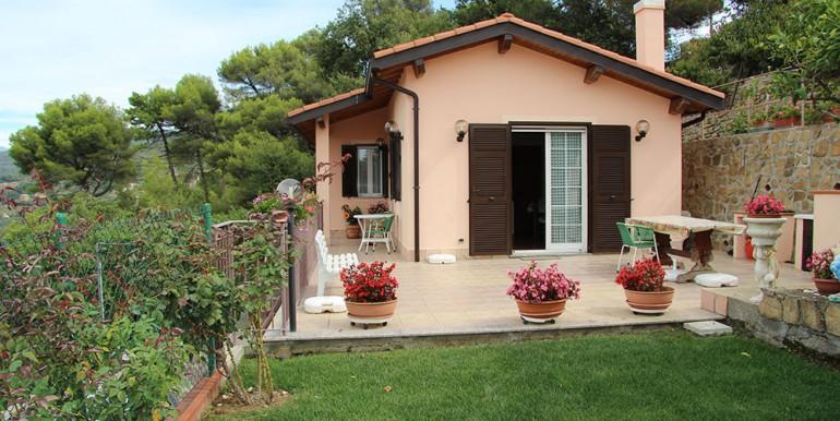 cottage-for-sale-66-01-03