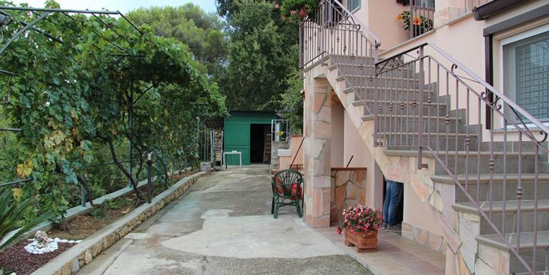 cottage-for-sale-66-01-06