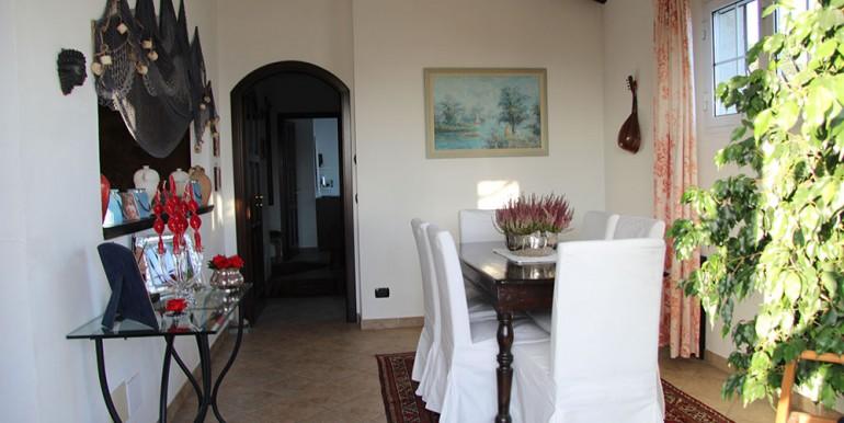 villa-for-sale-200-09-08