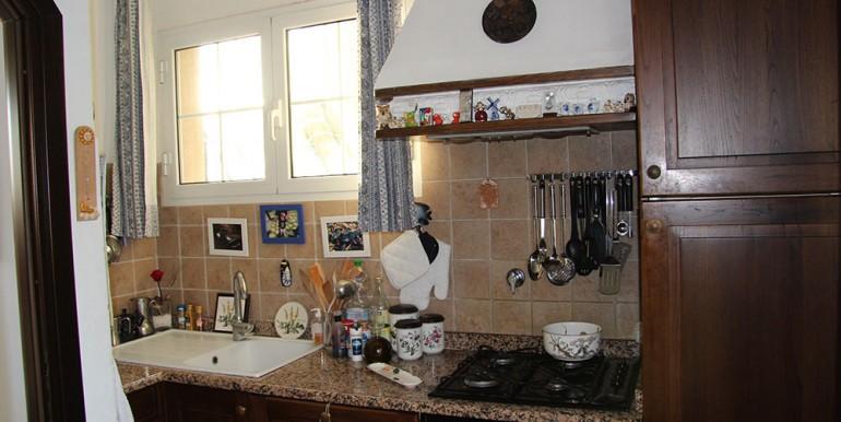 villa-for-sale-200-09-12