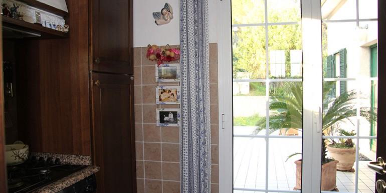 villa-for-sale-200-09-13