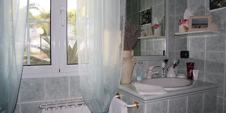 villa-for-sale-200-09-17