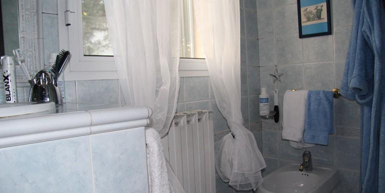 villa-for-sale-200-09-20