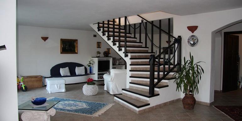 villa-for-sale-200-09-21