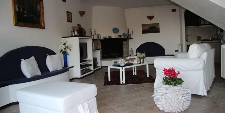 villa-for-sale-200-09-22