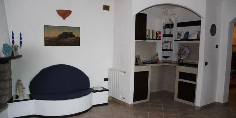 villa-for-sale-200-09-23