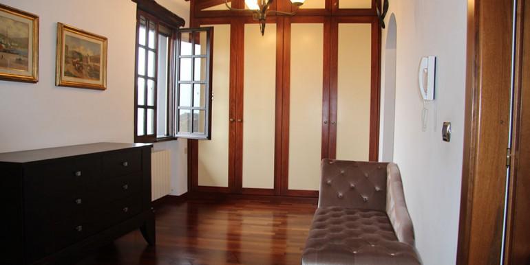 villa-for-sale-300-13-02
