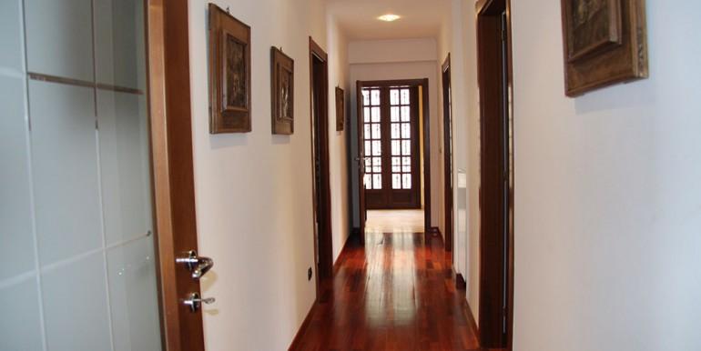 villa-for-sale-300-13-07