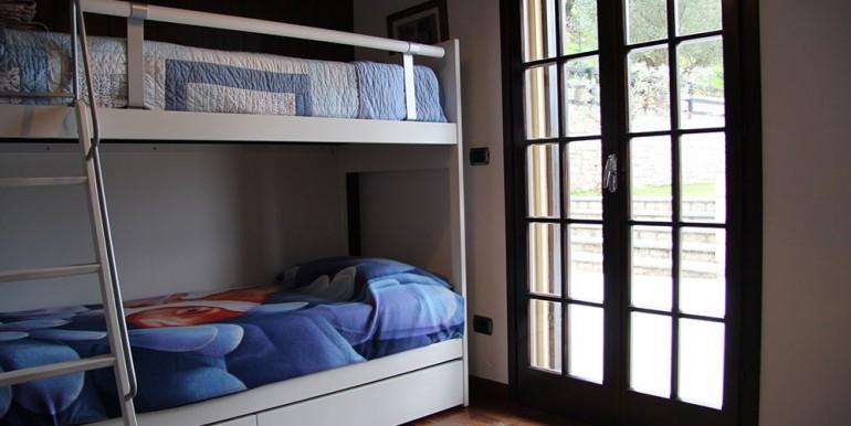 villa-for-sale-300-13-09