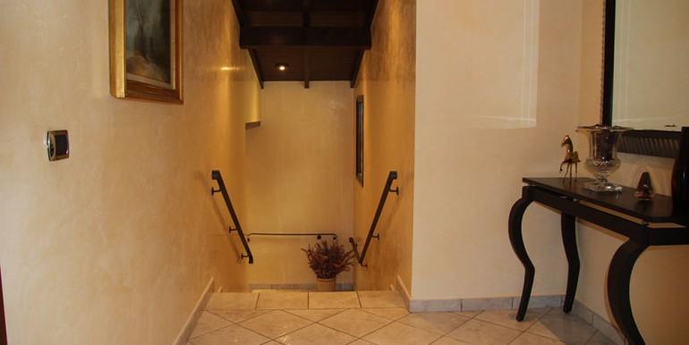 villa-for-sale-300-13-11