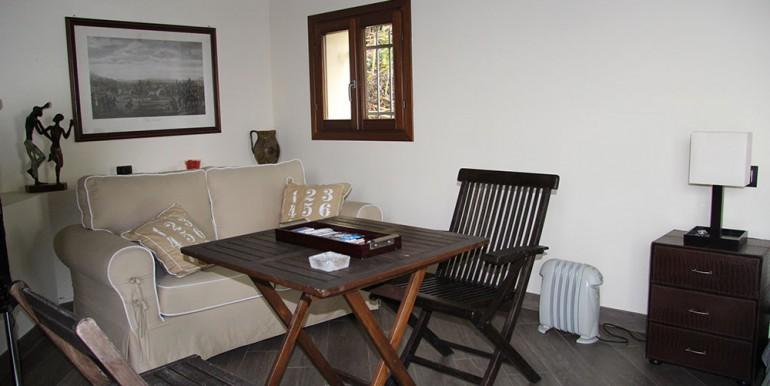 villa-for-sale-300-13-29