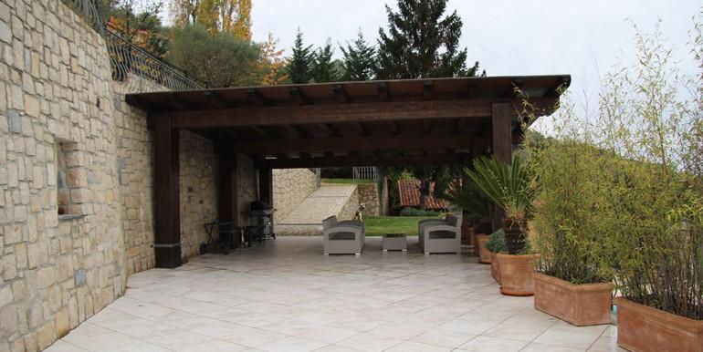 villa-for-sale-300-13-44