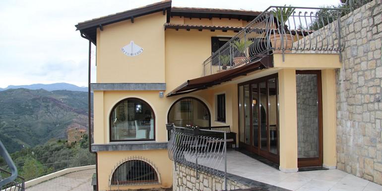 villa-for-sale-300-13-45