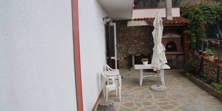 villa-for-sale-300-98-07