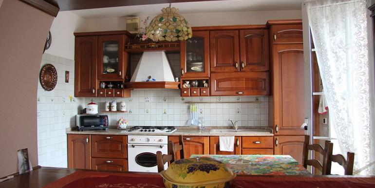 villa-for-sale-300-98-10