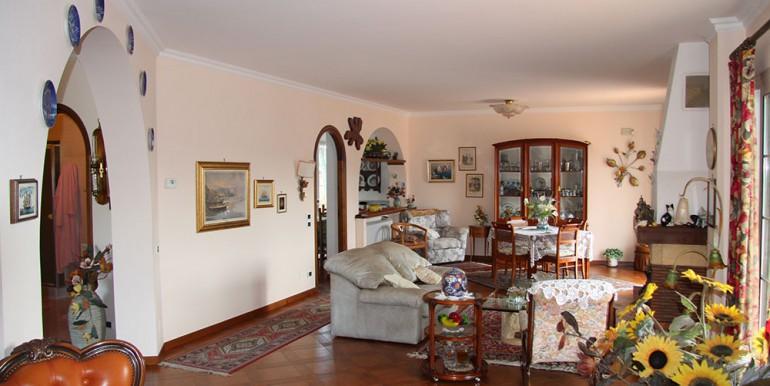 villa-for-sale-300-98-12