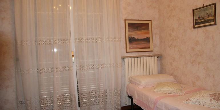 villa-for-sale-300-98-15