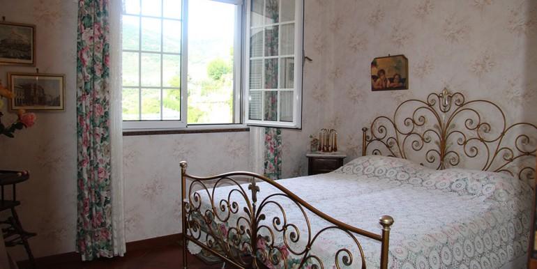 villa-for-sale-300-98-19