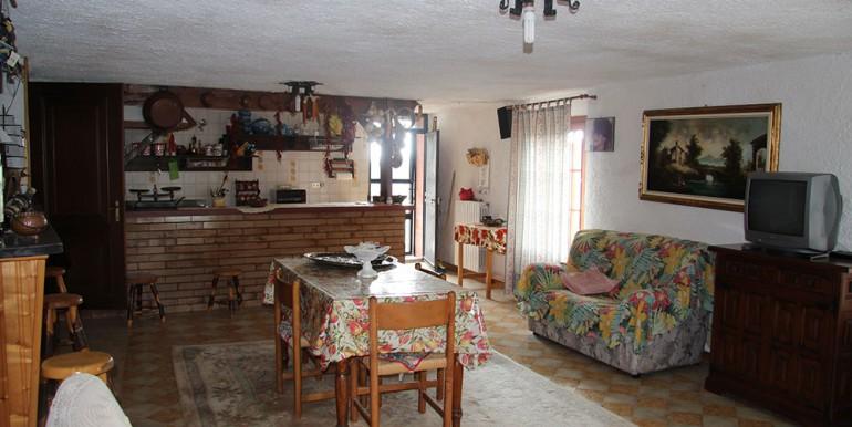 villa-for-sale-300-98-25