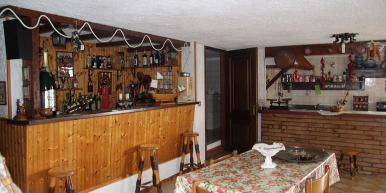 villa-for-sale-300-98-29