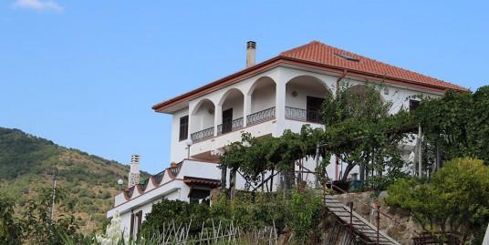 Villa for sale 300 m²