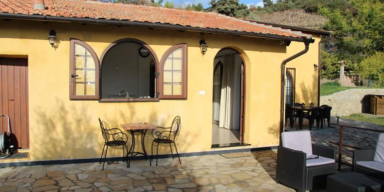 villa-for-sale-80-16-04