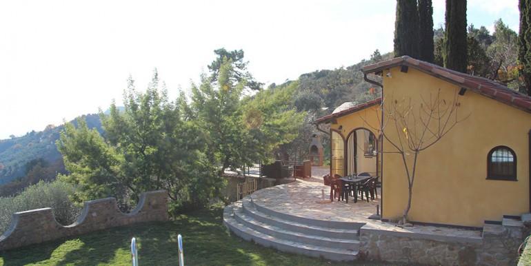 villa-for-sale-80-16-28