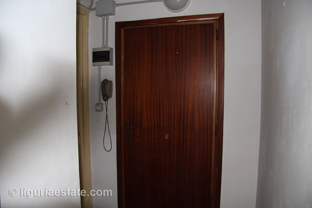 apartment-for-sale-90-010-04