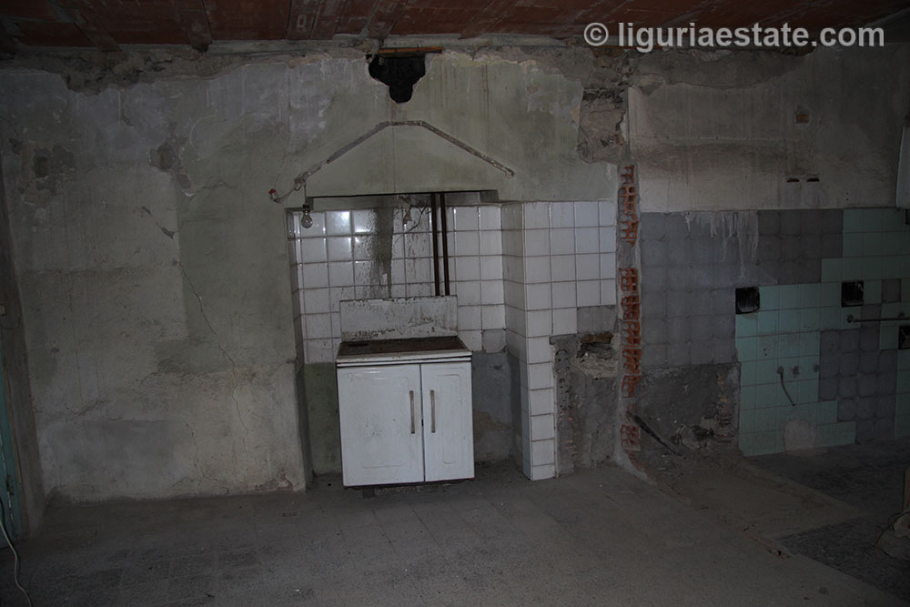 house-for-sale-130-liguria-imp-41945a-08