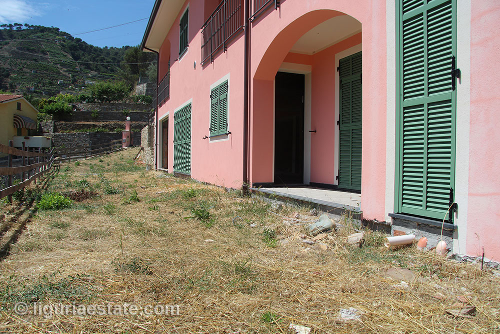 villa-for-sale-160-85-04