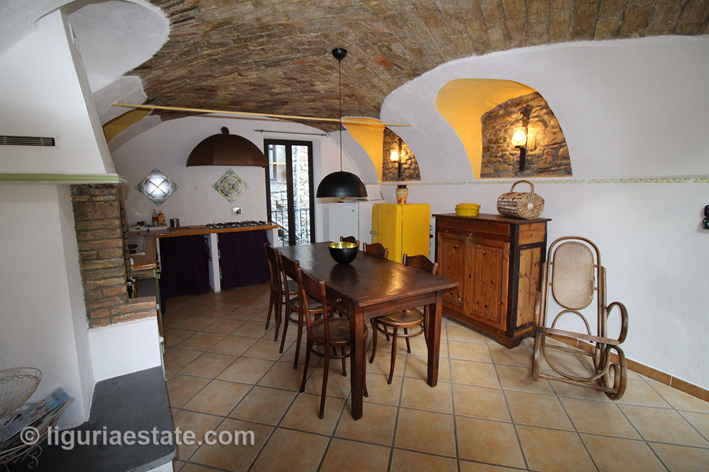 Dolceacqua apartment for sale 115 imp 43084 001