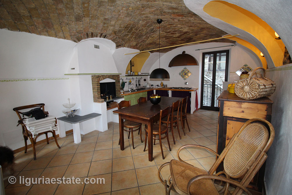Dolceacqua apartment for sale 115 imp 43084 002