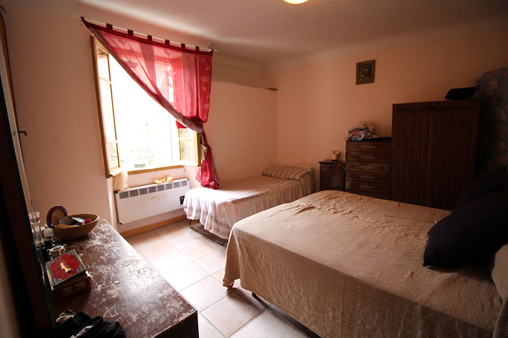 Apricale liguria apartment for sale 70 imp 44045 003