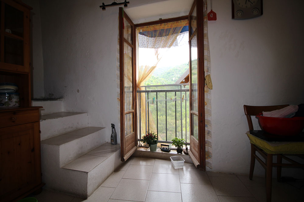 Apricale liguria apartment for sale 70 imp 44045 009