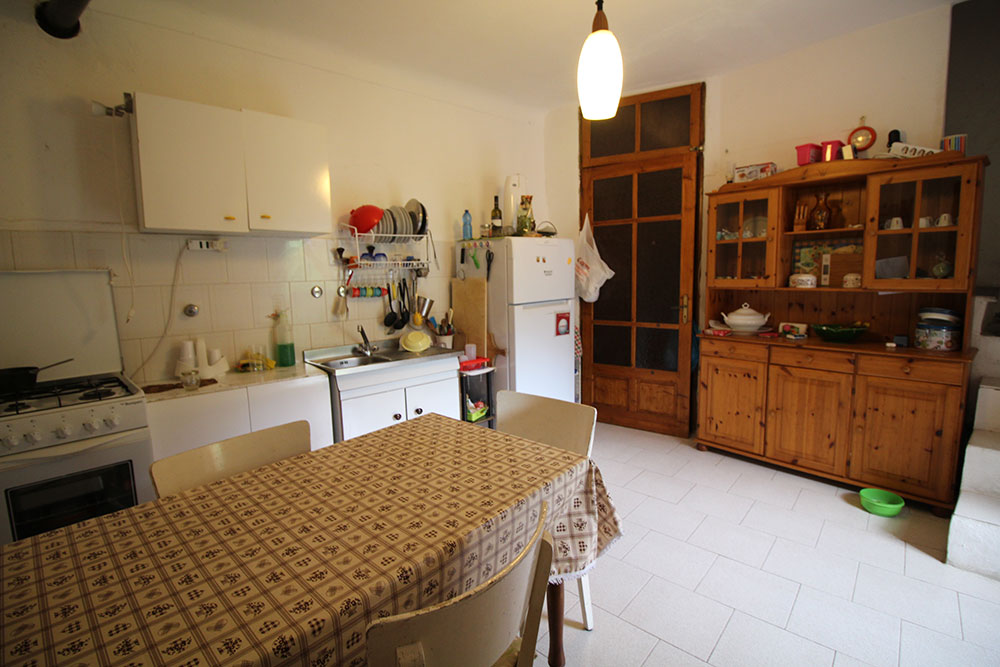 Apricale liguria apartment for sale 70 imp 44045 011