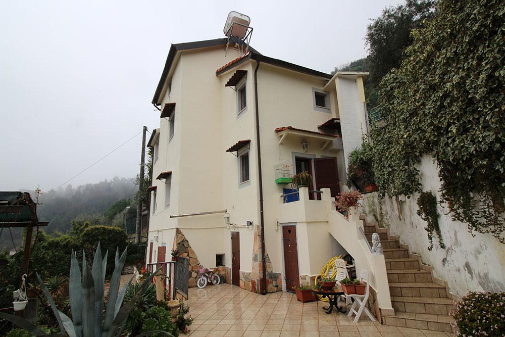 Camporosso liguria country house for sale 130 imp 44060 002