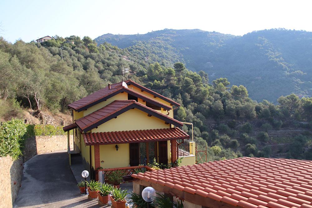 Dolceacqua liguria country house for sale 180 imp 44081 001