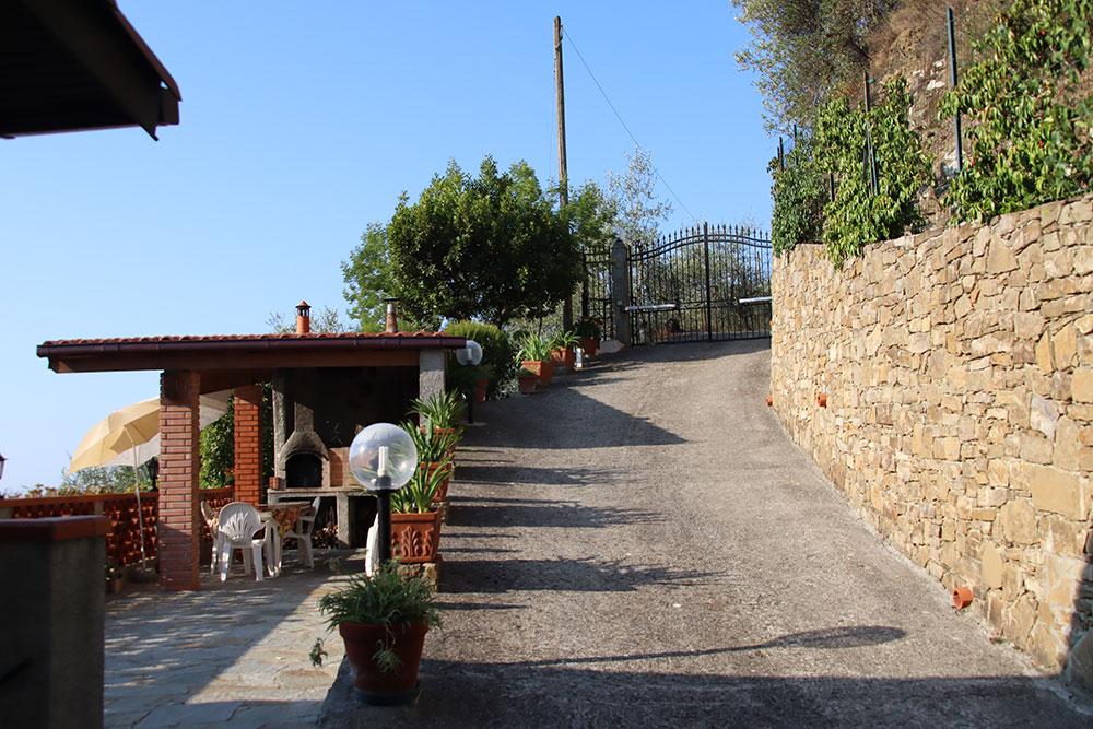 Dolceacqua liguria country house for sale 180 imp 44081 002
