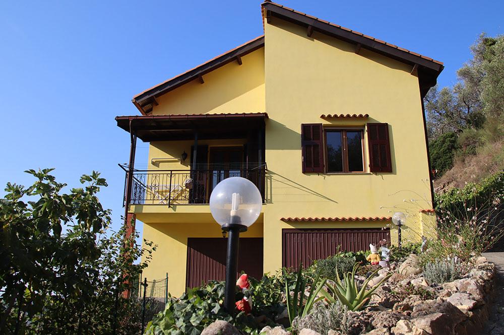 Dolceacqua liguria country house for sale 180 imp 44081 026